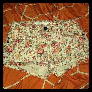 *CUTE* Girls Floral Shorts